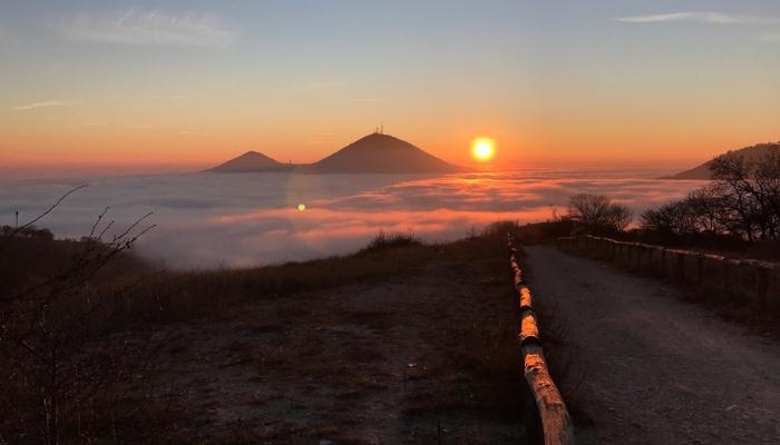 luoghi insoliti in veneto escursioni sui colli euganei pianoro del mottolone