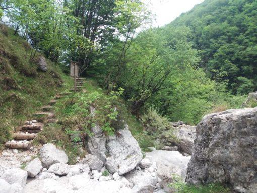Val Falcina escursioni Parco Nazionale Dolomiti Bellunesi Lago del Mis