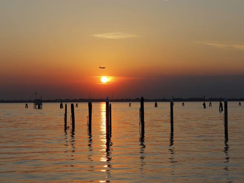 Cosa vedere a Burano tramonto laguna