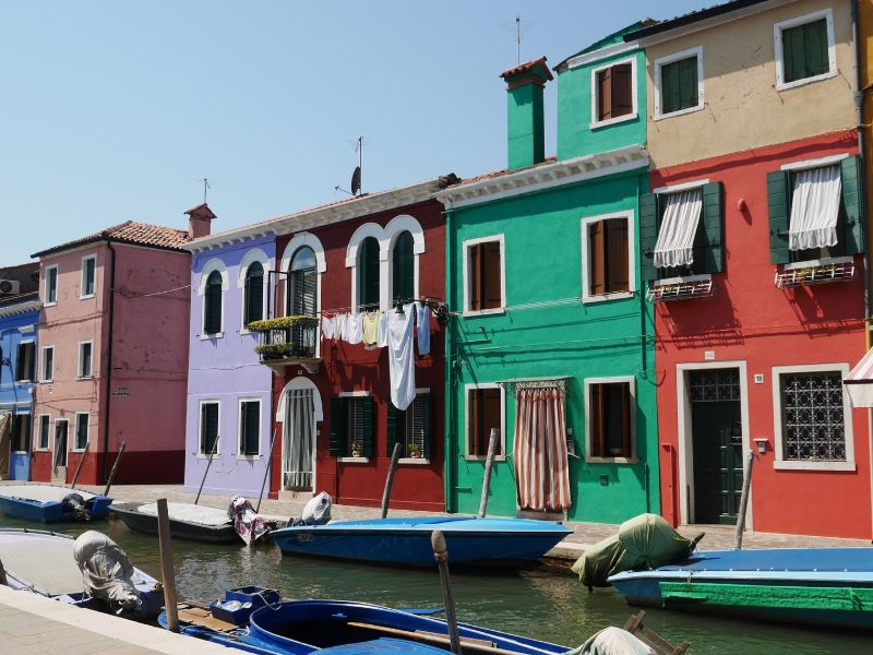 Cosa visitare Burano case colorate