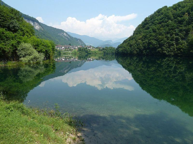 Escursioni in Veneto Lago del Corlo