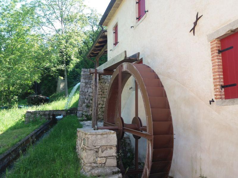 Sentieri in Veneto Via dell'acqua Cison di Valmarino mulino