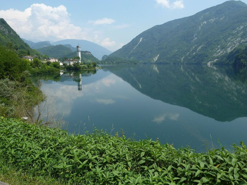 Passeggiate laghi in Veneto Lago del Corlo